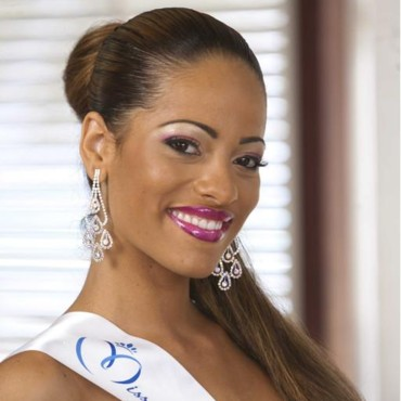 Miss Guadeloupe - Cindy Le Pape - Candidate Election Miss France 2012