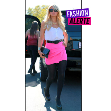 Paris Hilton en mode fluo