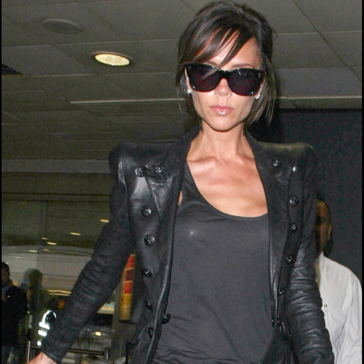victoria beckham toujours aussi bling bling mode. Black Bedroom Furniture Sets. Home Design Ideas