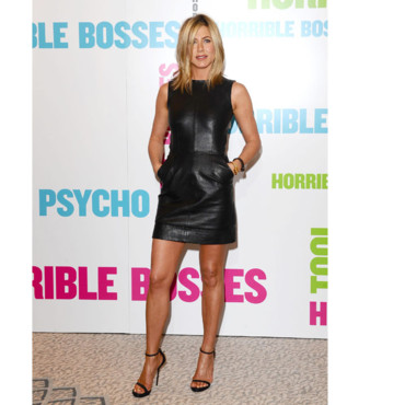 Jennifer Aniston en robe en cuir Céline
