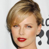 Charlize Theron, Angelina Jolie, Sharon Stone la mode de l'adoption chez les stars
