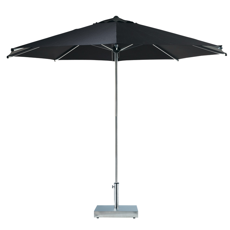 d co outdoor 12 parasols qu 39 on adore parasol marbella noir maisons du monde d co. Black Bedroom Furniture Sets. Home Design Ideas