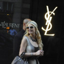 Paris Hilton en shopping chez YSL