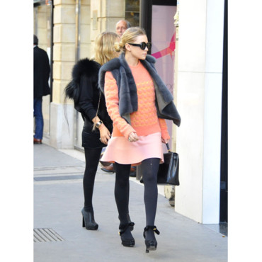 Ashley Olsen avec un pull Balenciaga
