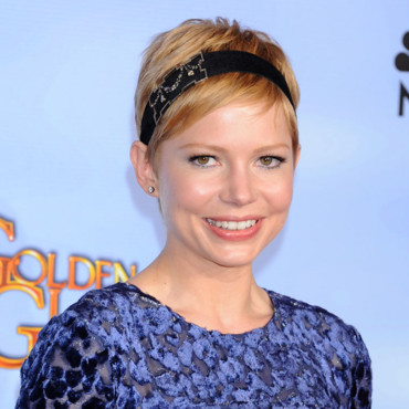 Michelle Williams et son headband aux Golden Globes