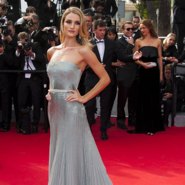 Rosie Huntington-Whiteley à Cannes le 21 mai 2014 !