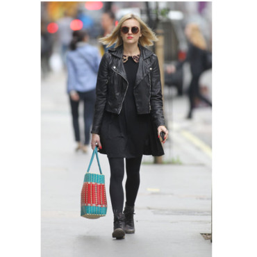 Fearne Cotton en look preppy rock
