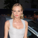 Diane Kruger coiffure rtro plaqu wavy Les Adieux  la Reine au Moma NY juillet 2012