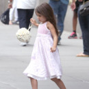 Suri Cruise aperu quittant son appartement de Chelsea  New York City, NY, USA le 19 aot 2012. 