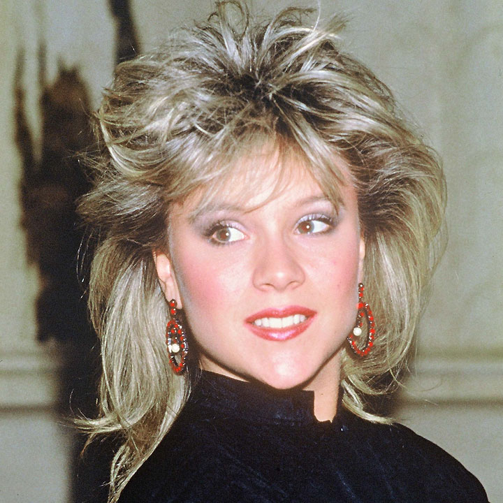 que sont devenues les stars des ann es 80 episode 1 samantha fox dans les ann es 80. Black Bedroom Furniture Sets. Home Design Ideas