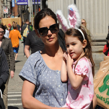 Katie Holmes et Suri Cruise font du shopping à New York en avril 2010