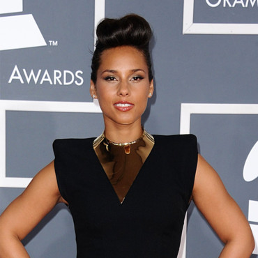 Alicia Keys coiffure coque Grammy Awards 2012