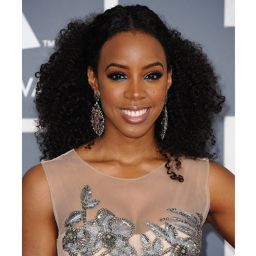 Kelly Rowland coiffure frisée Grammy Awards 2012